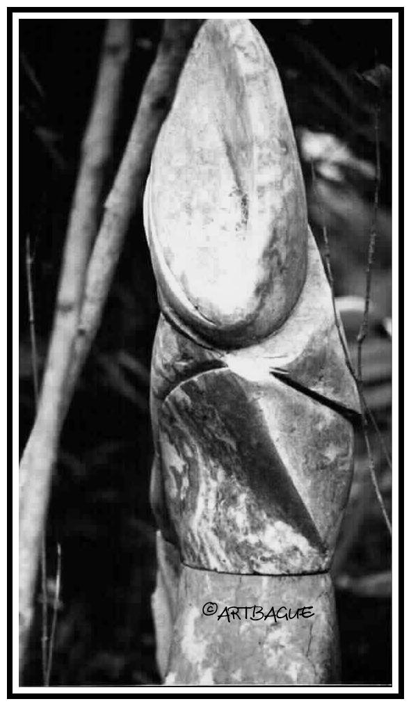Sculpture-marbre-gris-et-rouge_01