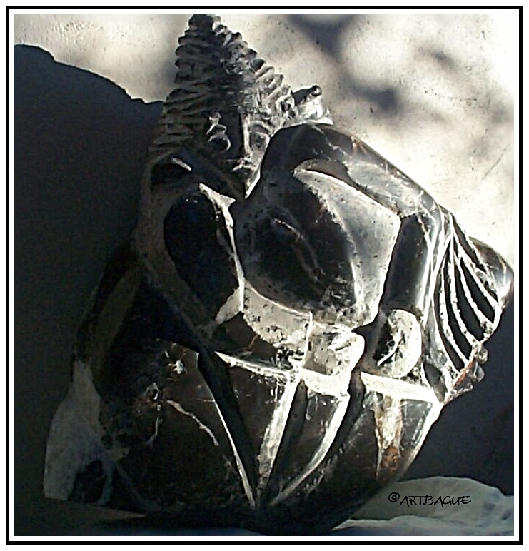 Sculpture-marbre-noir-samourai