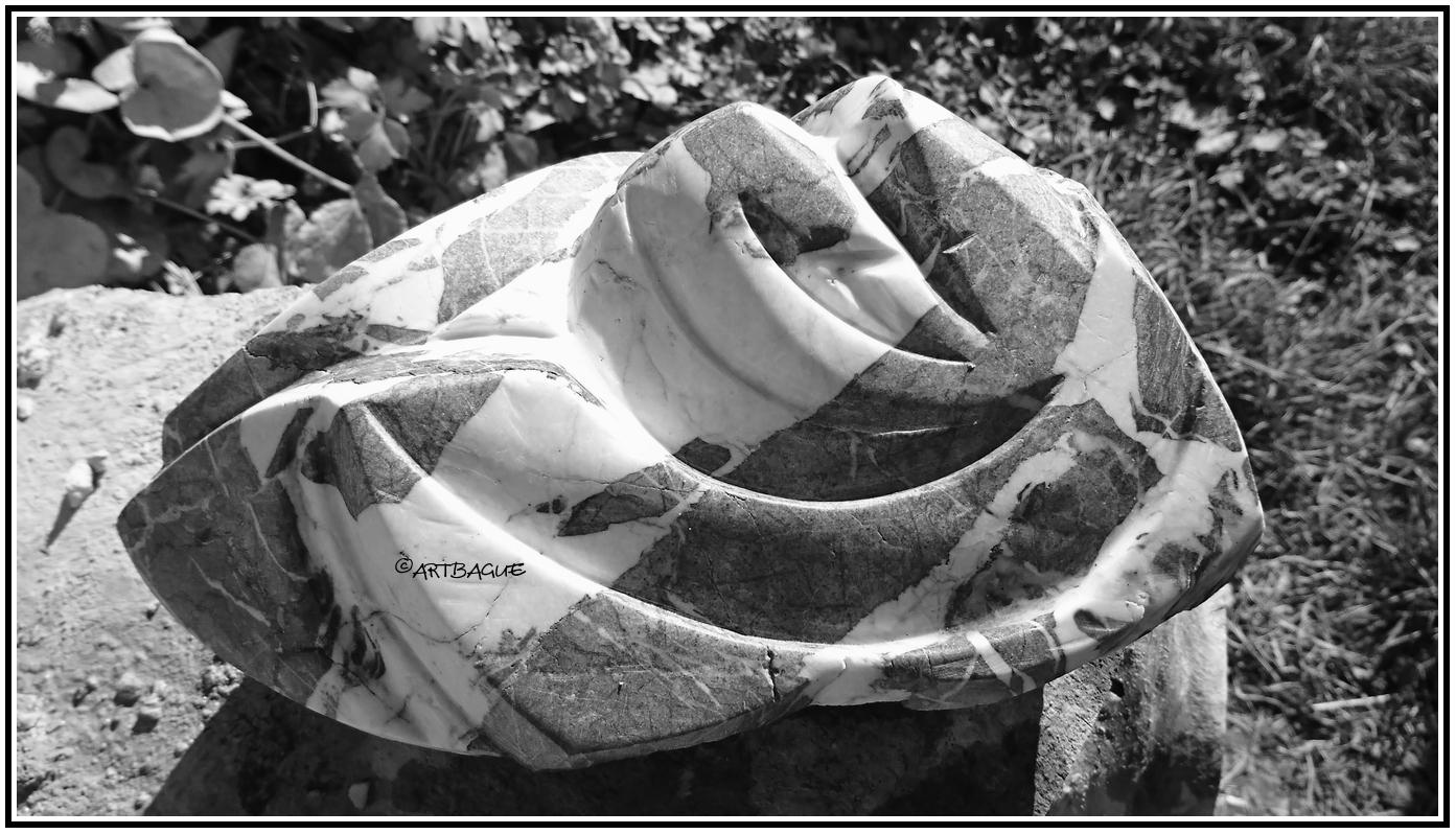 sculpture-marbre-gris-Artako-NB