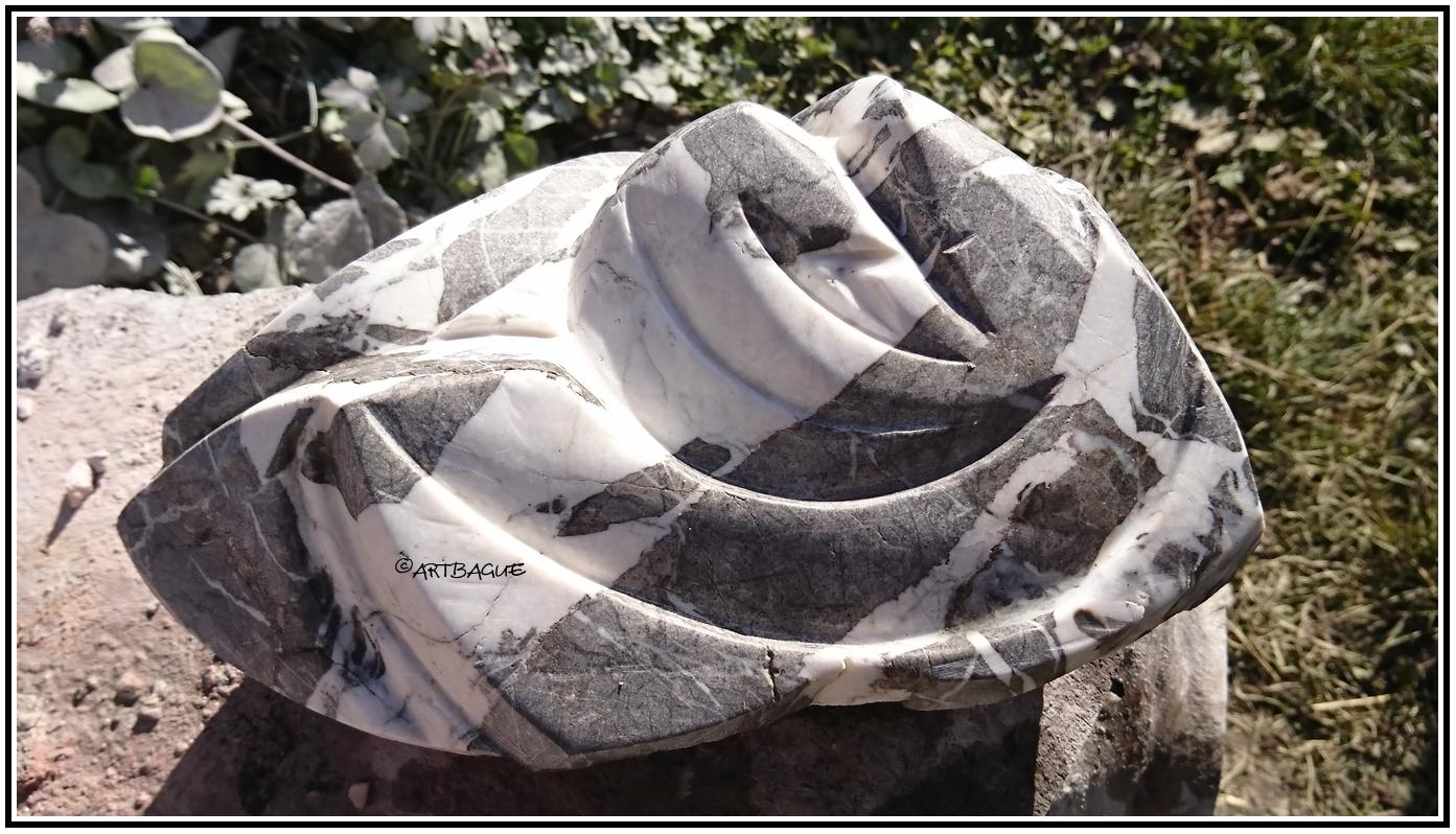 sculpture-marbre-gris-Artako